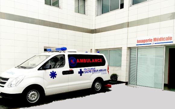 Ambulance de transport médicalisé